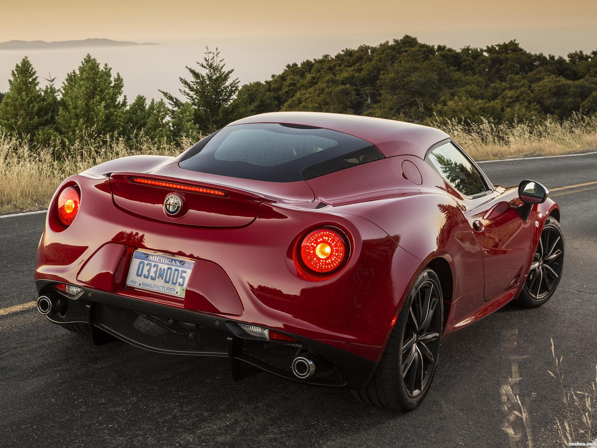 Foto 1 de Alfa Romeo 4C USA 2014