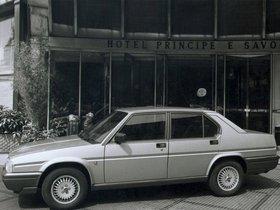 Ver foto 3 de Alfa Romeo 90 2.5 V6 1984