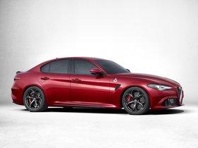 Ver foto 3 de Alfa Romeo Giulia Quadrifoglio 2015