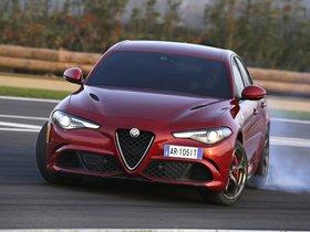 Ver foto 35 de Alfa Romeo Giulia Quadrifoglio 2015