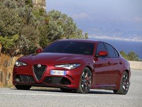 Ver foto 32 de Alfa Romeo Giulia Quadrifoglio 2015