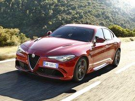 Ver foto 25 de Alfa Romeo Giulia Quadrifoglio 2015