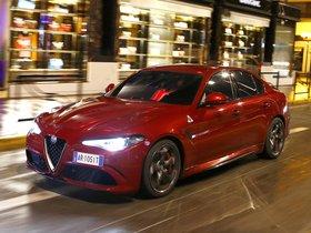 Ver foto 24 de Alfa Romeo Giulia Quadrifoglio 2015
