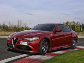 Ver foto 23 de Alfa Romeo Giulia Quadrifoglio 2015