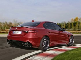 Ver foto 22 de Alfa Romeo Giulia Quadrifoglio 2015