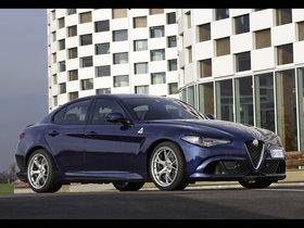 Ver foto 21 de Alfa Romeo Giulia Quadrifoglio 2015