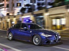 Ver foto 20 de Alfa Romeo Giulia Quadrifoglio 2015