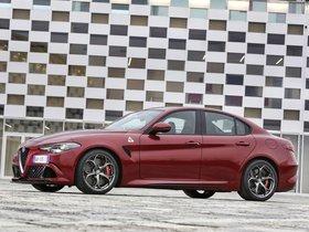 Ver foto 19 de Alfa Romeo Giulia Quadrifoglio 2015