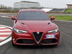 Ver foto 18 de Alfa Romeo Giulia Quadrifoglio 2015