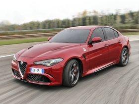 Ver foto 14 de Alfa Romeo Giulia Quadrifoglio 2015
