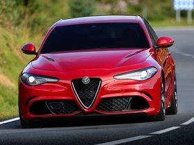 Ver foto 10 de Alfa Romeo Giulia Quadrifoglio 2015