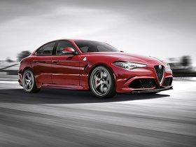 Ver foto 8 de Alfa Romeo Giulia Quadrifoglio 2015