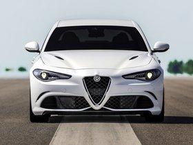 Ver foto 6 de Alfa Romeo Giulia Quadrifoglio 2015