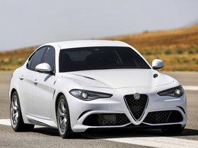 Ver foto 5 de Alfa Romeo Giulia Quadrifoglio 2015