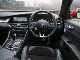 Ver foto 24 de Alfa Romeo Giulia Quadrifoglio 952 Australia 2017