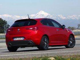 Ver foto 8 de Alfa Romeo Giulietta Quadrifoglio Verde 940 2010