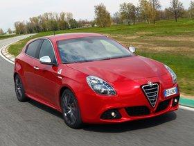 Ver foto 4 de Alfa Romeo Giulietta Quadrifoglio Verde 940 2010