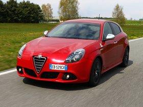 Ver foto 2 de Alfa Romeo Giulietta Quadrifoglio Verde 940 2010