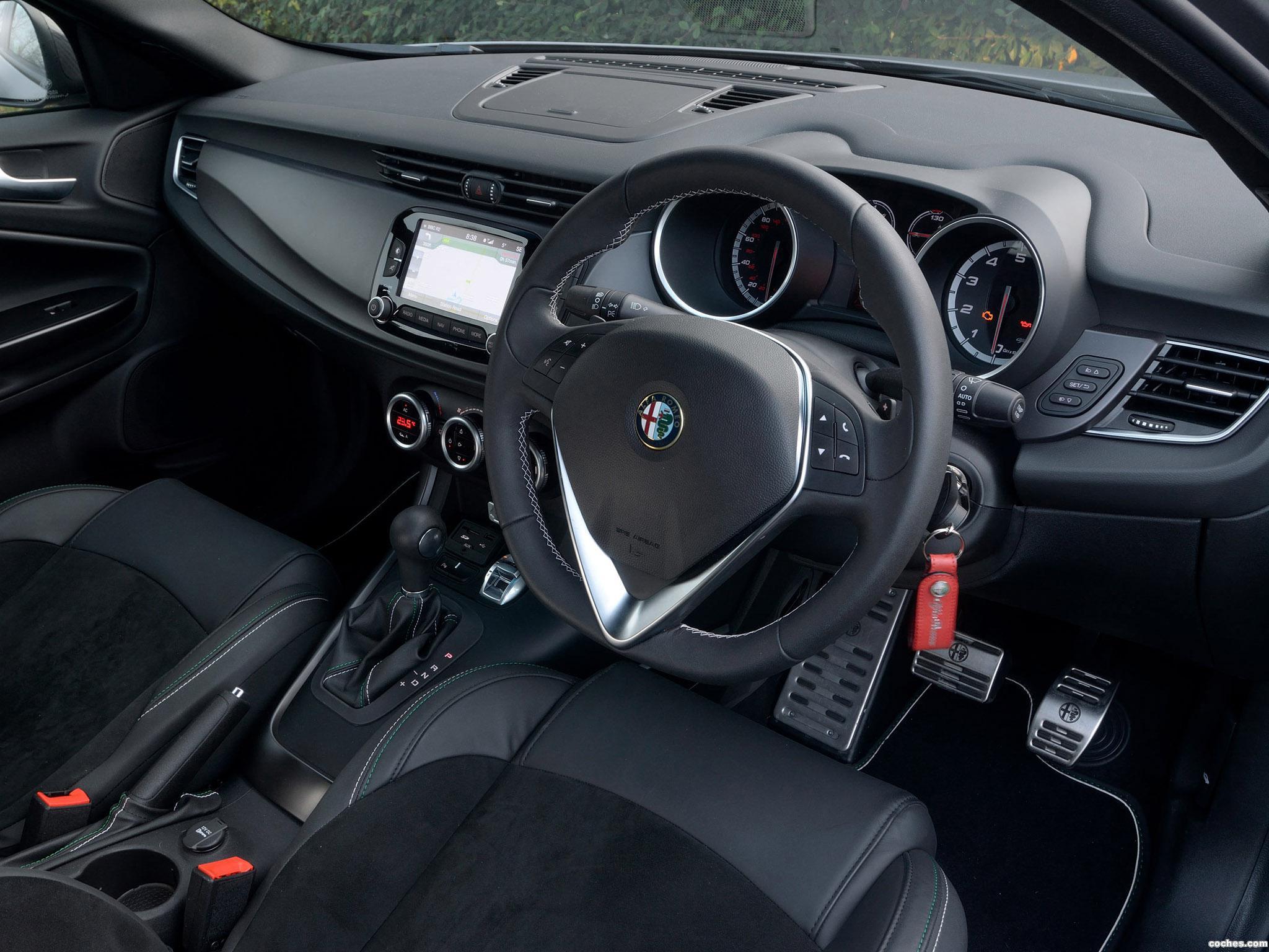 Foto 10 de Alfa Romeo Giulietta Quadrifoglio Verde Launch Edition UK 2014