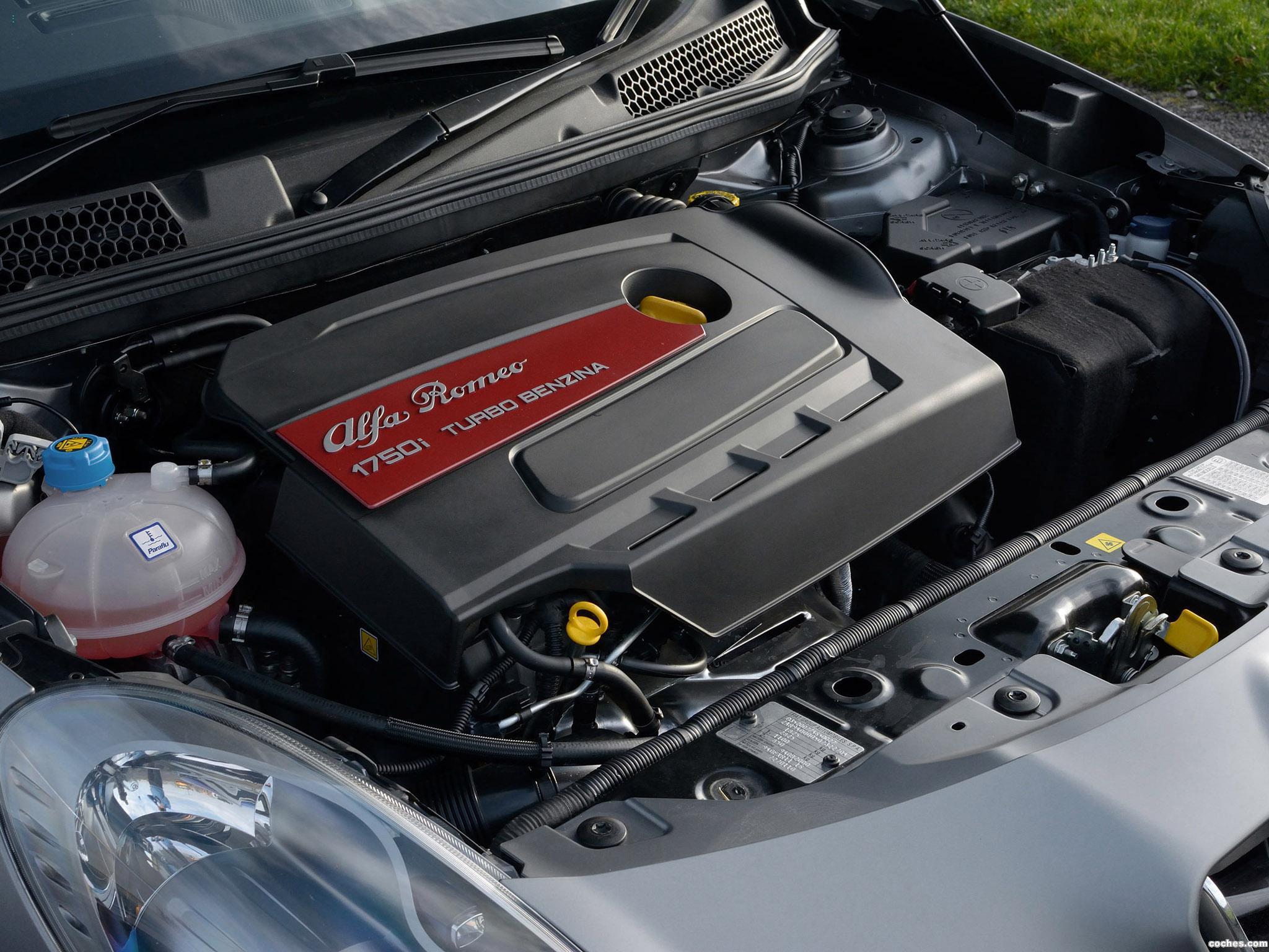 Foto 6 de Alfa Romeo Giulietta Quadrifoglio Verde Launch Edition UK 2014
