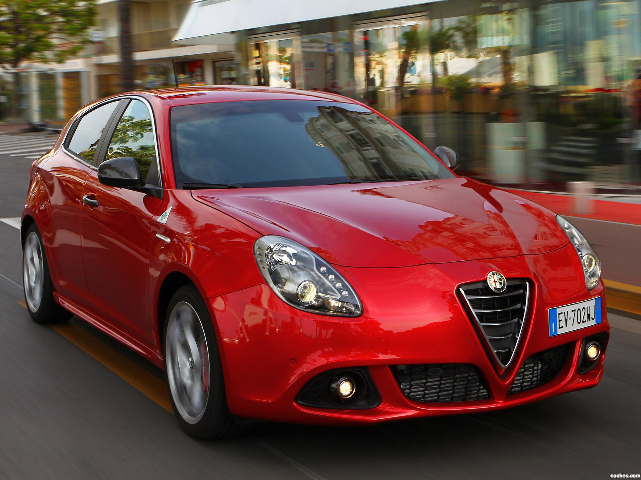 Foto 0 de Alfa Romeo Giulietta Quadrifoglio Verde 2014
