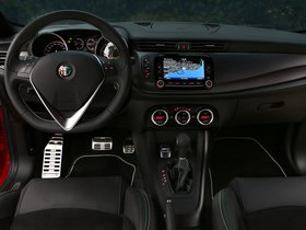 Ver foto 30 de Alfa Romeo Giulietta Quadrifoglio Verde 2014