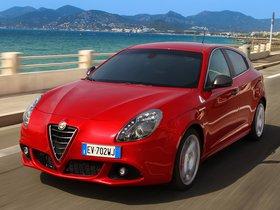 Ver foto 4 de Alfa Romeo Giulietta Quadrifoglio Verde 2014