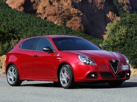 Ver foto 3 de Alfa Romeo Giulietta Quadrifoglio Verde 2014