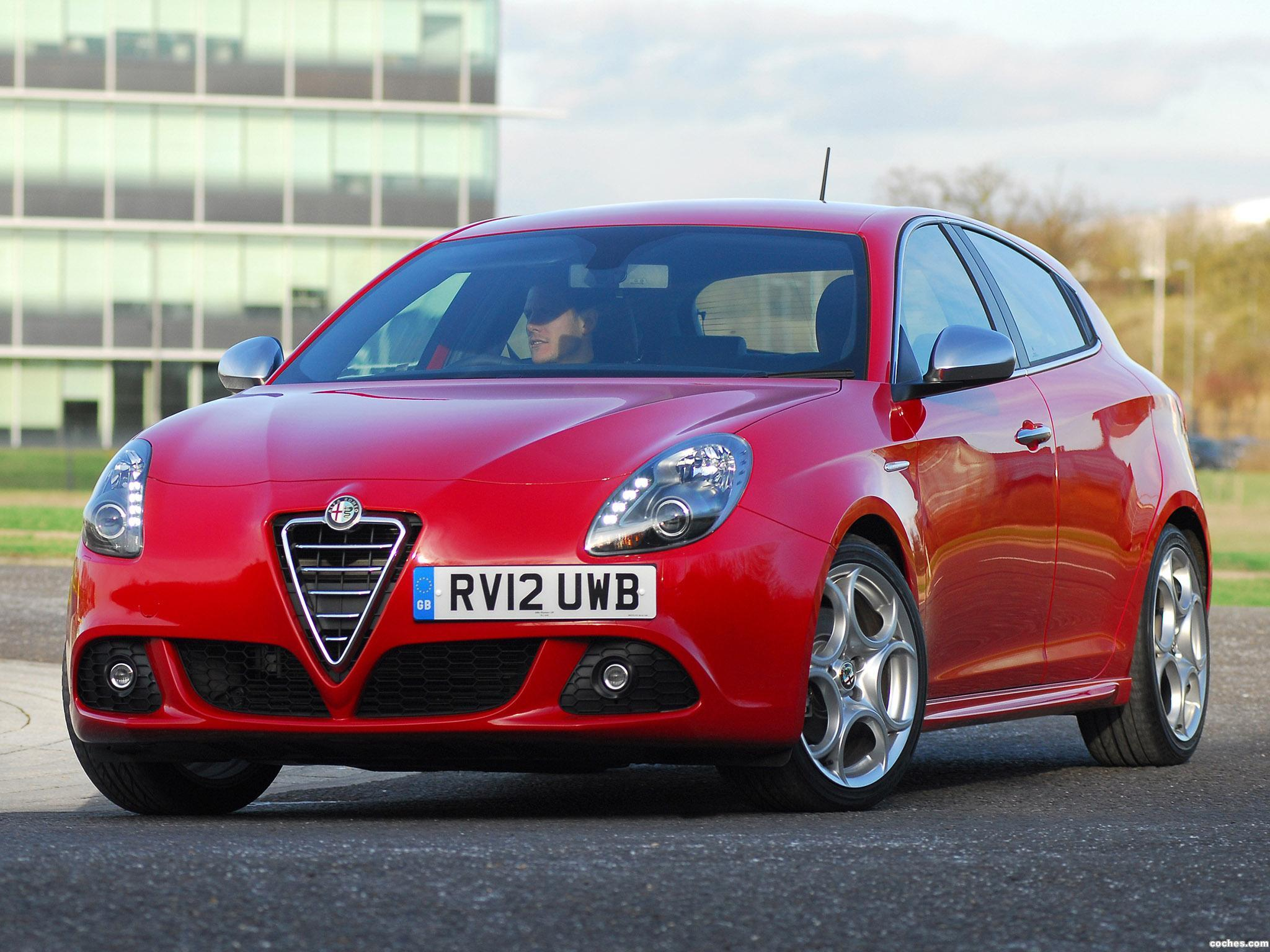 Foto 0 de Alfa Romeo Giulietta TCT UK 2012