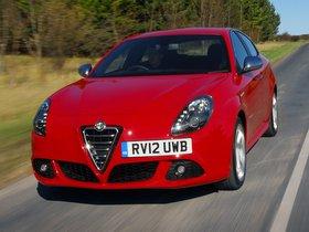 Ver foto 2 de Alfa Romeo Giulietta TCT UK 2012
