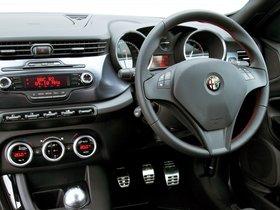 Ver foto 33 de Alfa Romeo Giulietta UK 2010