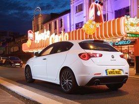 Ver foto 23 de Alfa Romeo Giulietta UK 2010