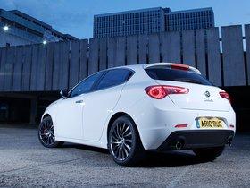 Ver foto 25 de Alfa Romeo Giulietta UK 2010
