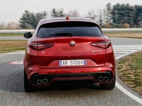Ver foto 19 de Alfa Romeo Stelvio Quadrifoglio 2017