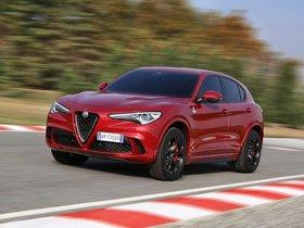 Ver foto 7 de Alfa Romeo Stelvio Quadrifoglio 2017