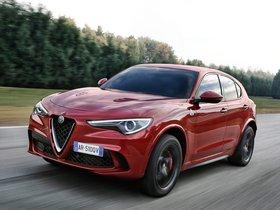 Ver foto 3 de Alfa Romeo Stelvio Quadrifoglio 2017