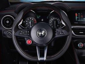 Ver foto 37 de Alfa Romeo Stelvio Quadrifoglio USA 2018