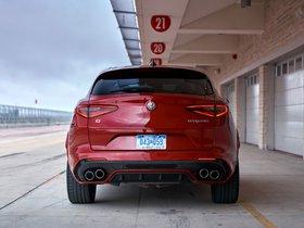 Ver foto 28 de Alfa Romeo Stelvio Quadrifoglio USA 2018