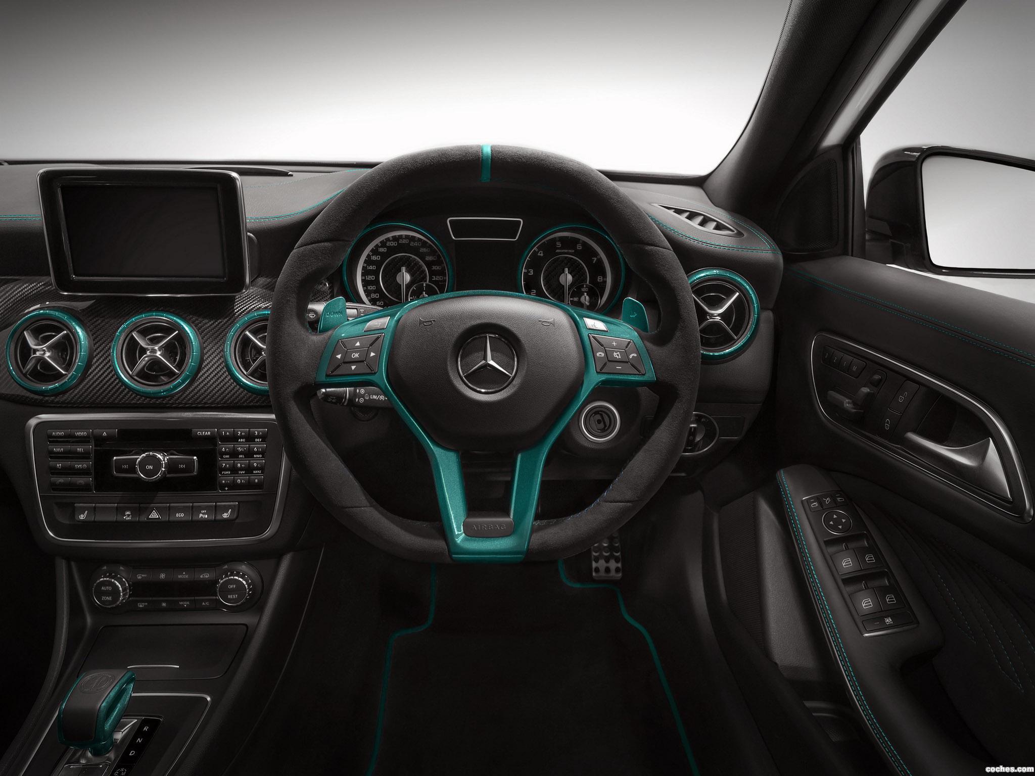 Foto 3 de Mercedes Clase A A45 AMG Petronas Green W176 2014