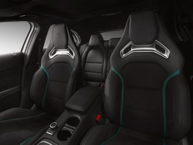 Ver foto 2 de Mercedes Clase A A45 AMG Petronas Green W176 2014
