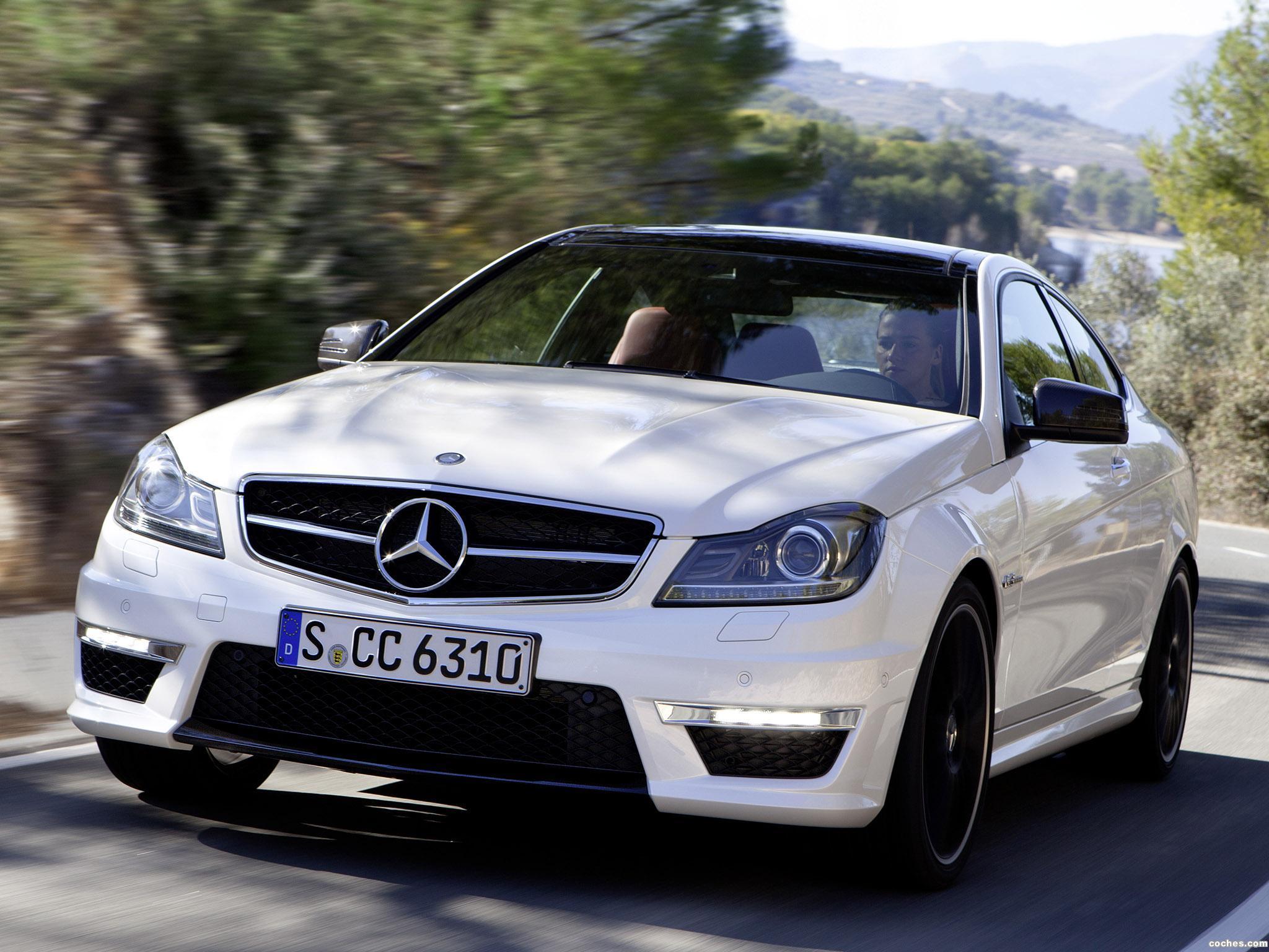 Foto 0 de Mercedes Clase C AMG C63 Coupe  2011