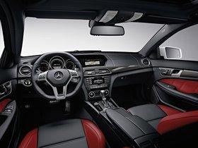 Ver foto 31 de Mercedes Clase C AMG C63 Coupe  2011