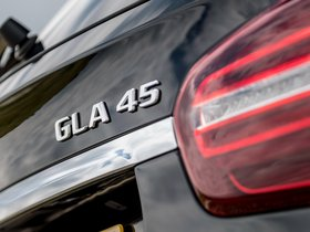 Ver foto 30 de Mercedes AMG GLA 45 4MATIC Yellow Night Edition X156 UK 2017