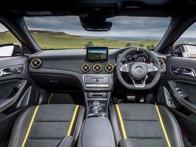 Ver foto 38 de Mercedes AMG GLA 45 4MATIC Yellow Night Edition X156 UK 2017