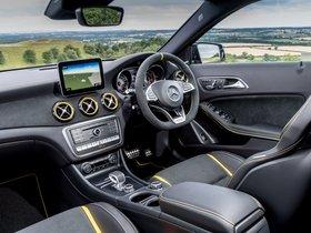 Ver foto 35 de Mercedes AMG GLA 45 4MATIC Yellow Night Edition X156 UK 2017
