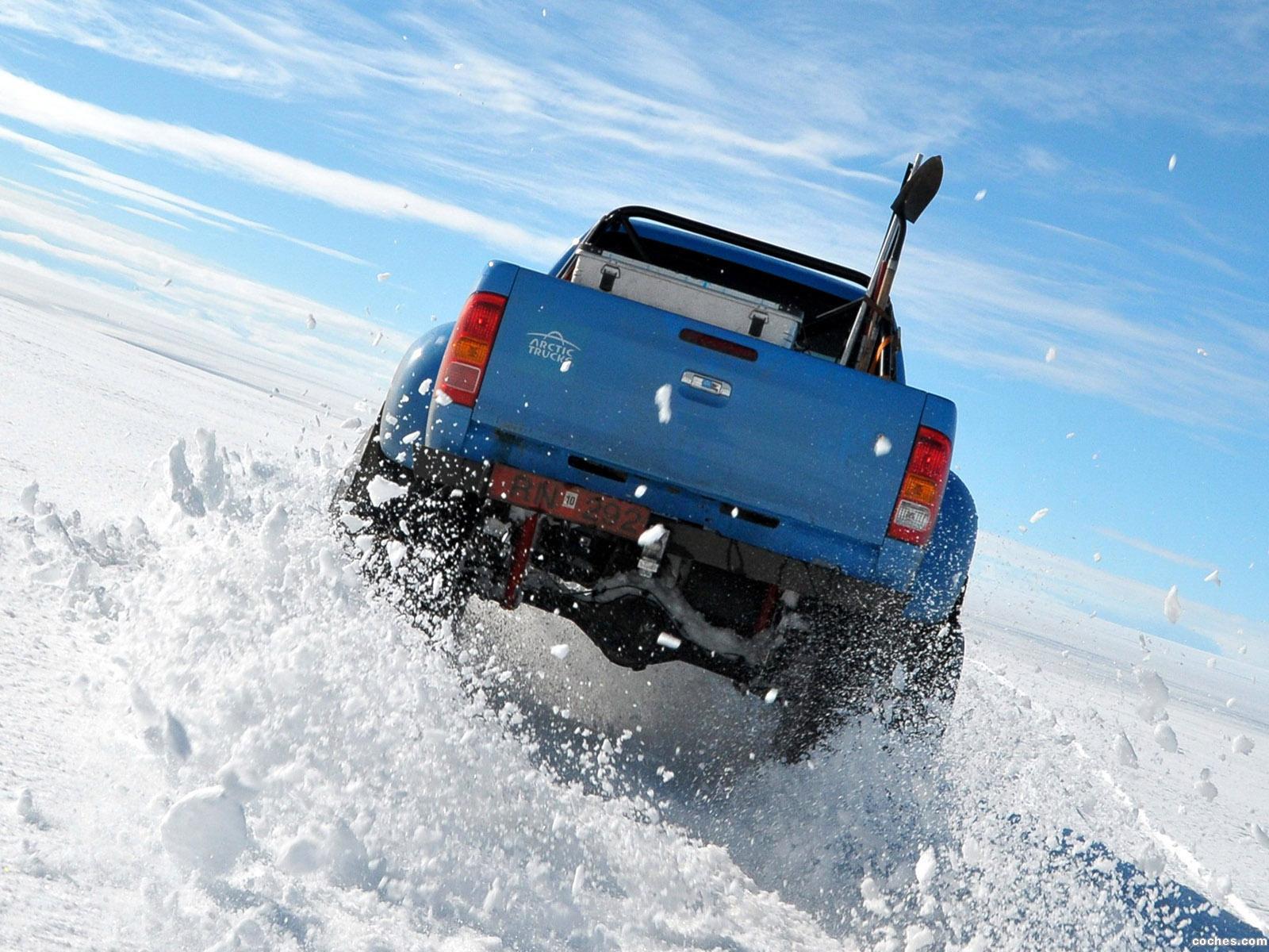 Foto 7 de Arctic Trucks Toyota Hilux AT44 South Pole Expedition 2010