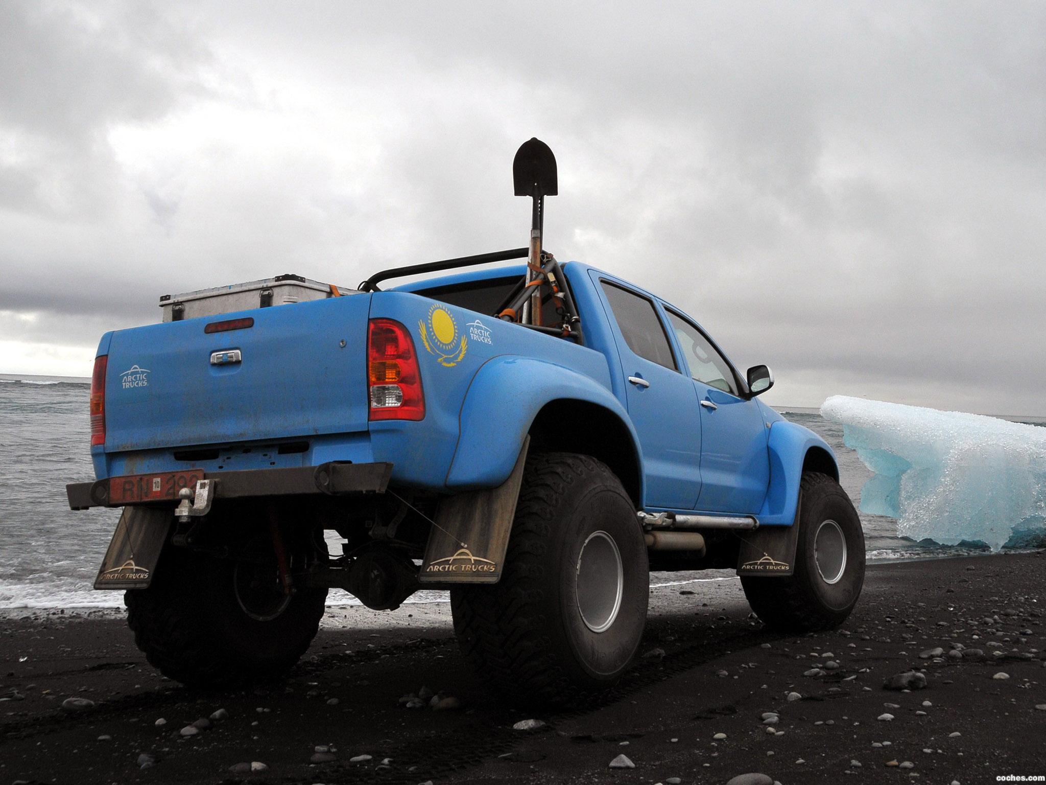 Foto 3 de Arctic Trucks Toyota Hilux AT44 South Pole Expedition 2010
