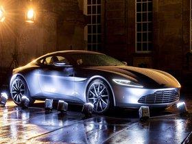 Ver foto 15 de Aston Martin DB10 2015