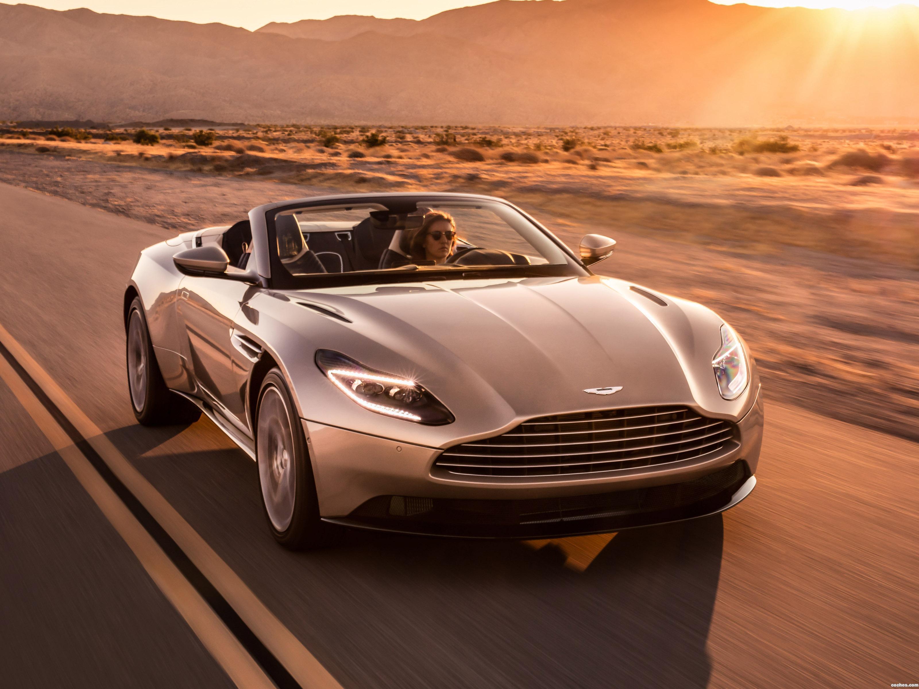 Foto 0 de Aston Martin DB11 Volante V8 2018