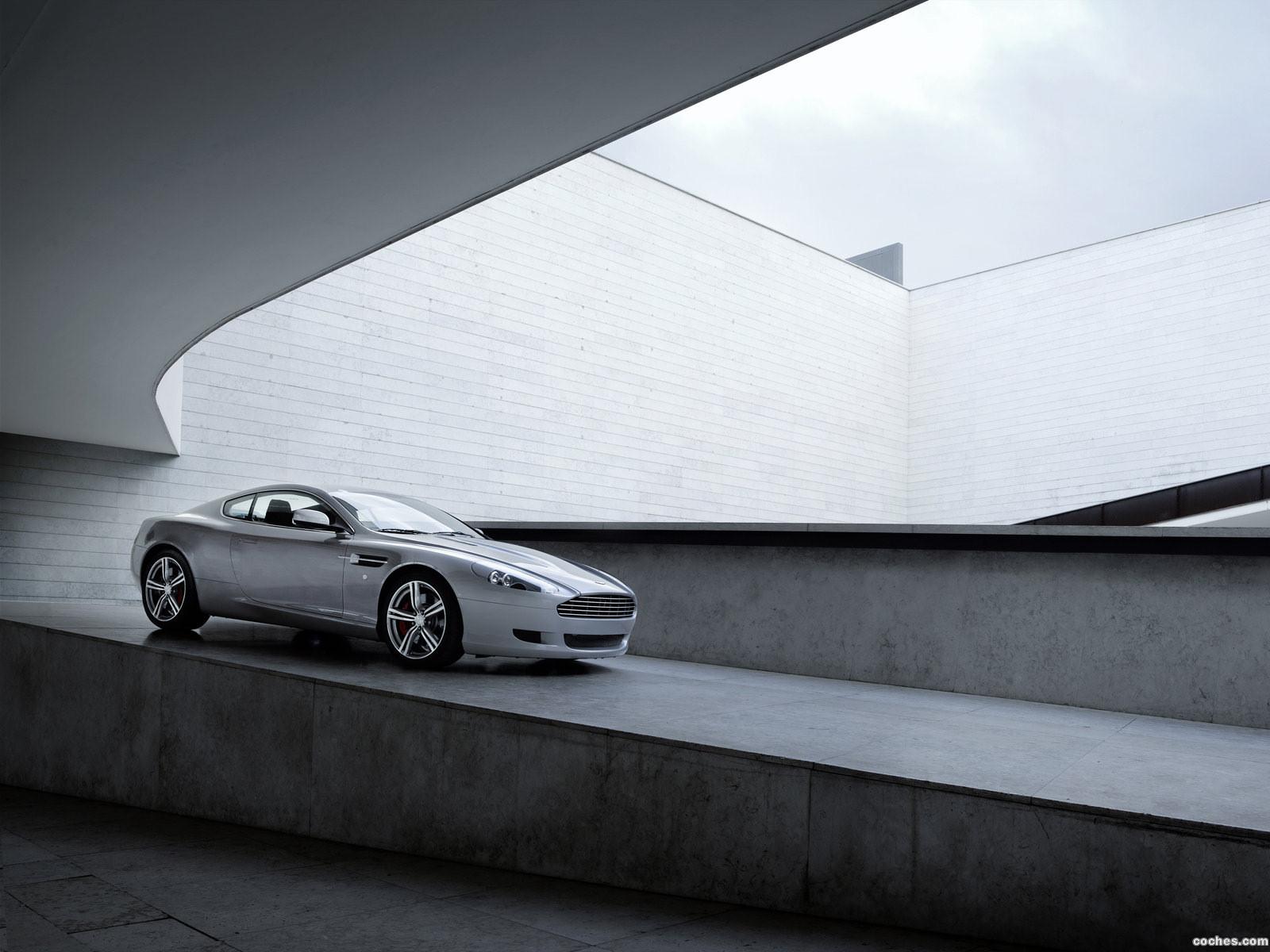 Foto 4 de Aston Martin DB9 Coupe 2009